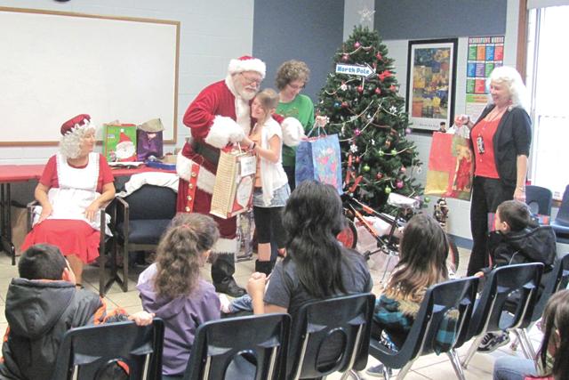 Santa Claus to visit Sunny Glen Children's Home – San ...