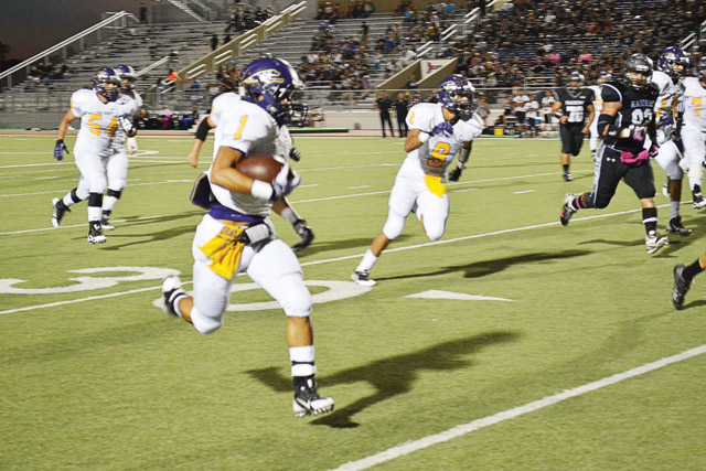 'Hounds earn second straight victory over PSJA North Raiders, 24-14