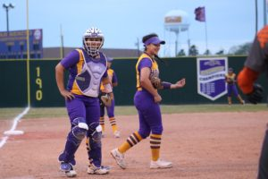 After another dominating regular season, Lady Hounds prepare for playoffs