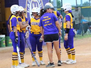 Lady Hounds push district record to 8-1 after 11-0 ictory over Weslaco East