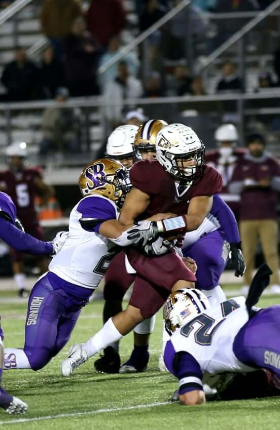 'Hounds take on Los Fresnos Falcons